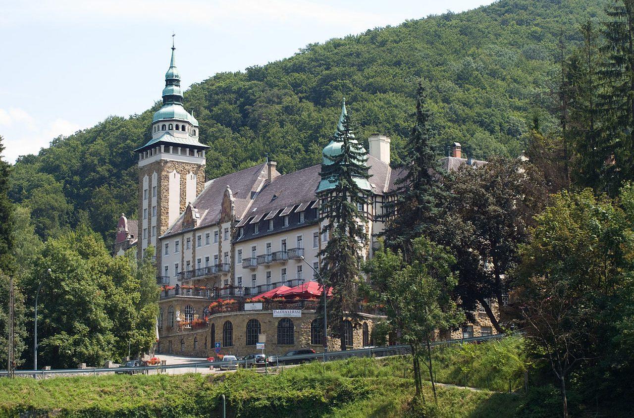 1280px-Miskolc_Lillafüred_hotel_detail